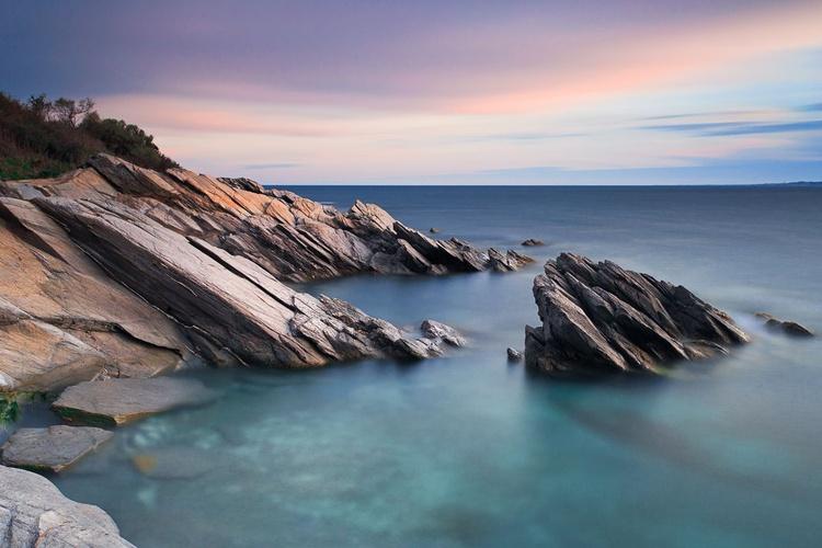 Windward Rocks - Image 0