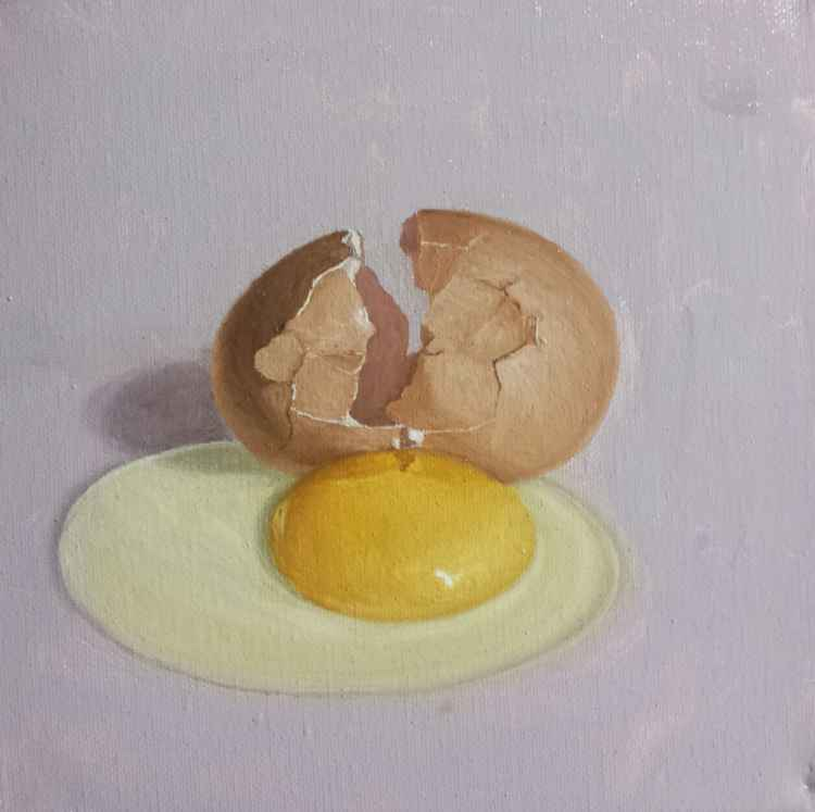Cracked Egg Still life