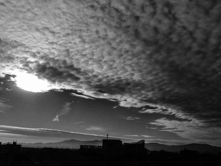 Skyline 01 B/W - Image 0