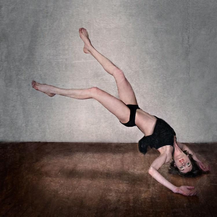 Defying gravity... - Image 0