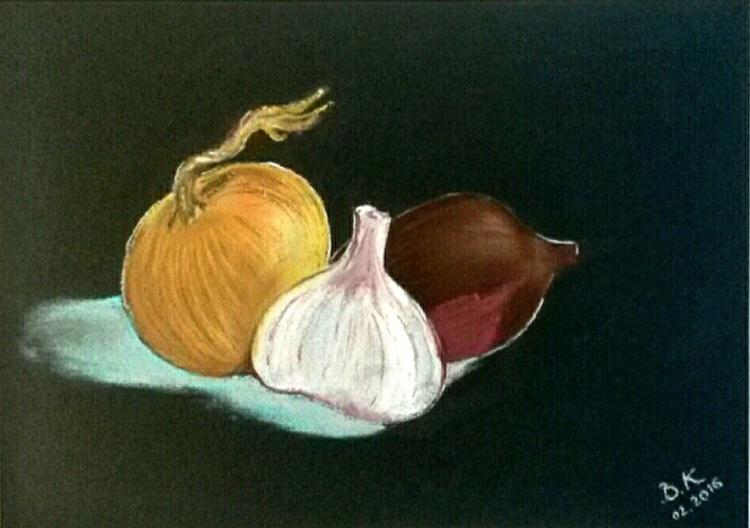 Season. Onion. Three friends. - Image 0