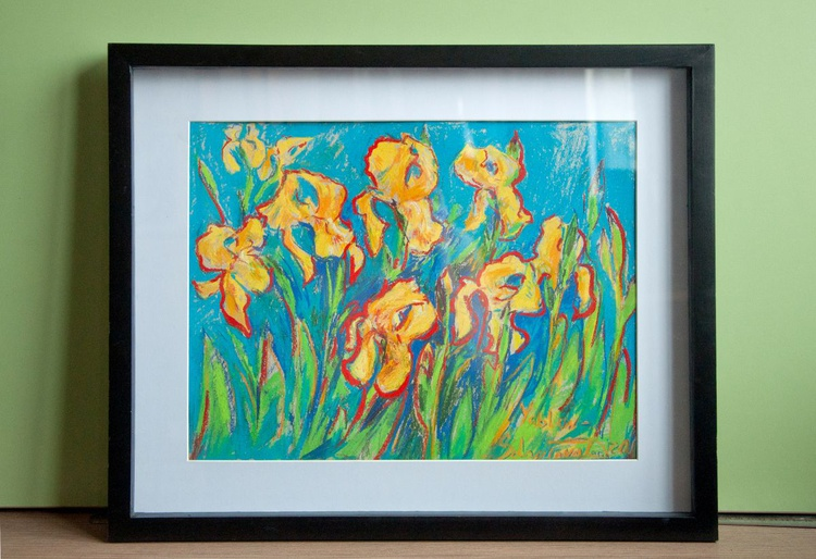 Yellow irises - Image 0