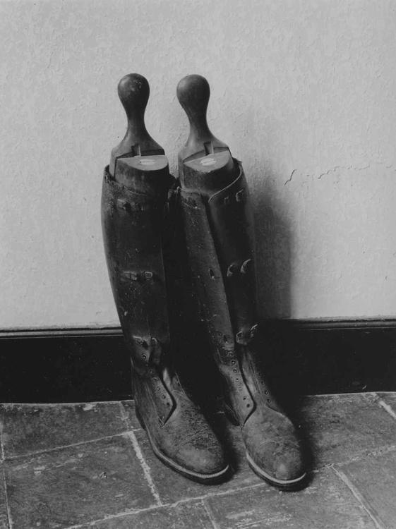 Boots Chateaux Leboulin - Image 0