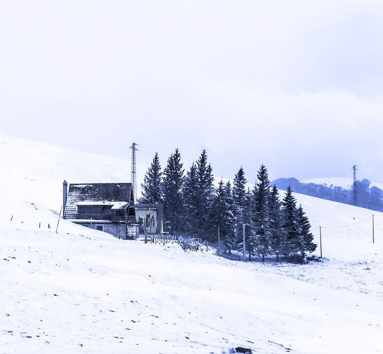 Little House on the Mountain - Image 0