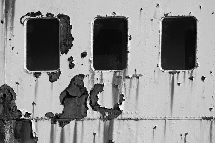 Three More Windows (The Fun Ship 4) - 1/25 - 24x16in Unmounted - Image 0
